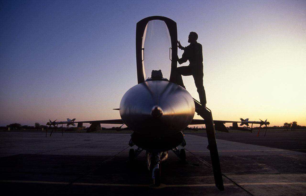 F16 service